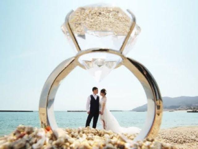 ビーチ ウエディングフォト 指輪